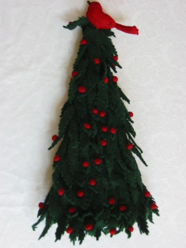 """Mackenzie Childs Felt Tabletop CHRISTMAS TREE Gr//Wh Pom Poms 25/"""" mc12 w//Bird"""